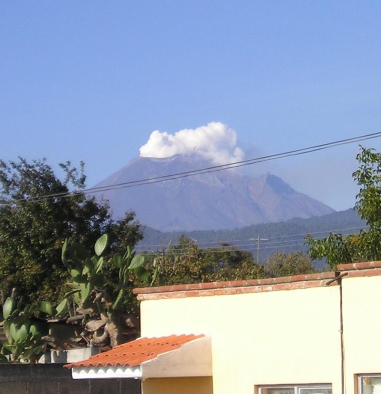 Mt.Popo-belch.jpg