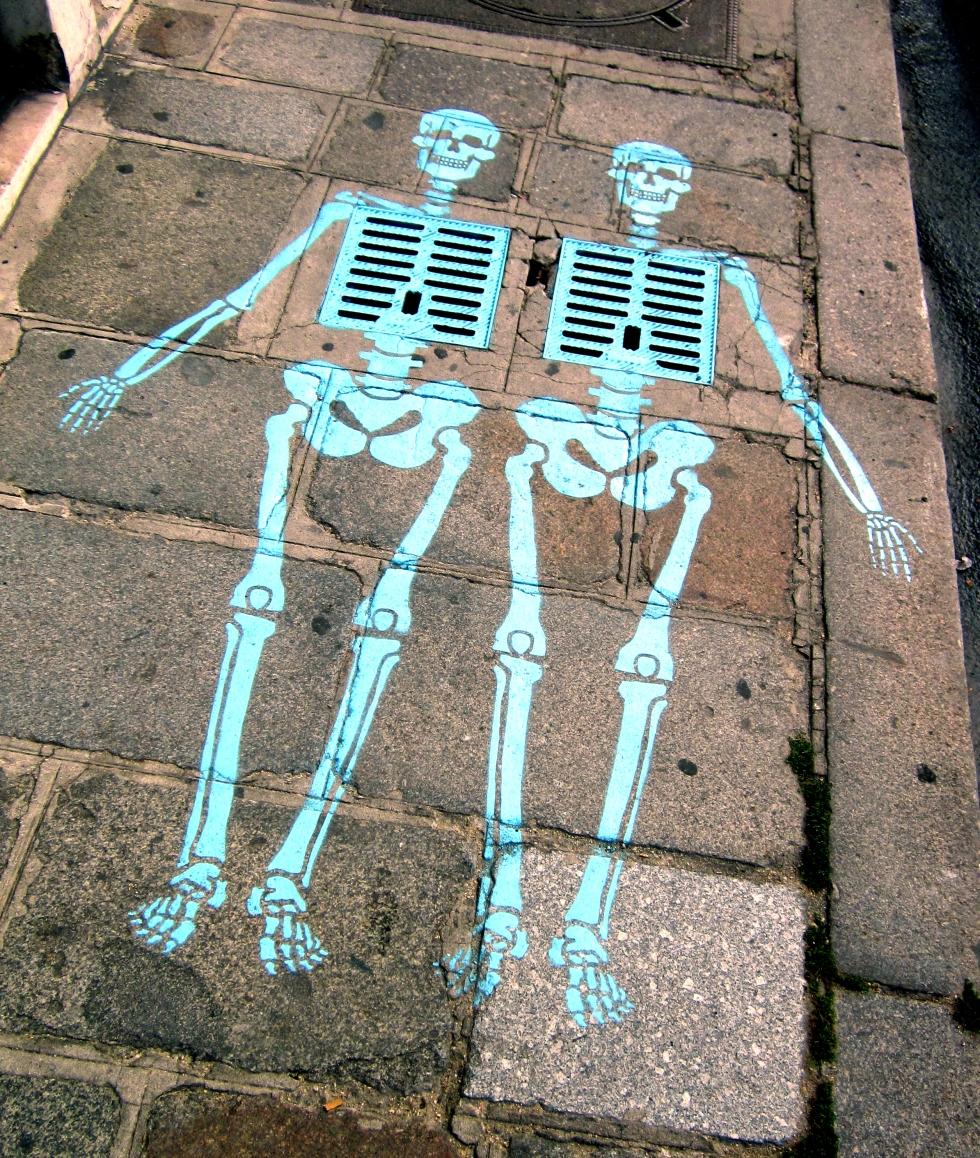 Skeleton-Street-Art-Paris