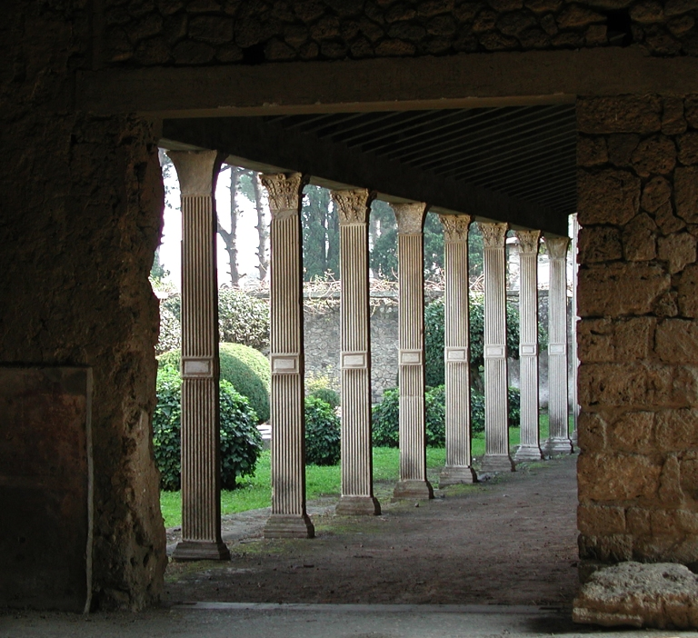 Pompeii-Ruined-Villa.jpg