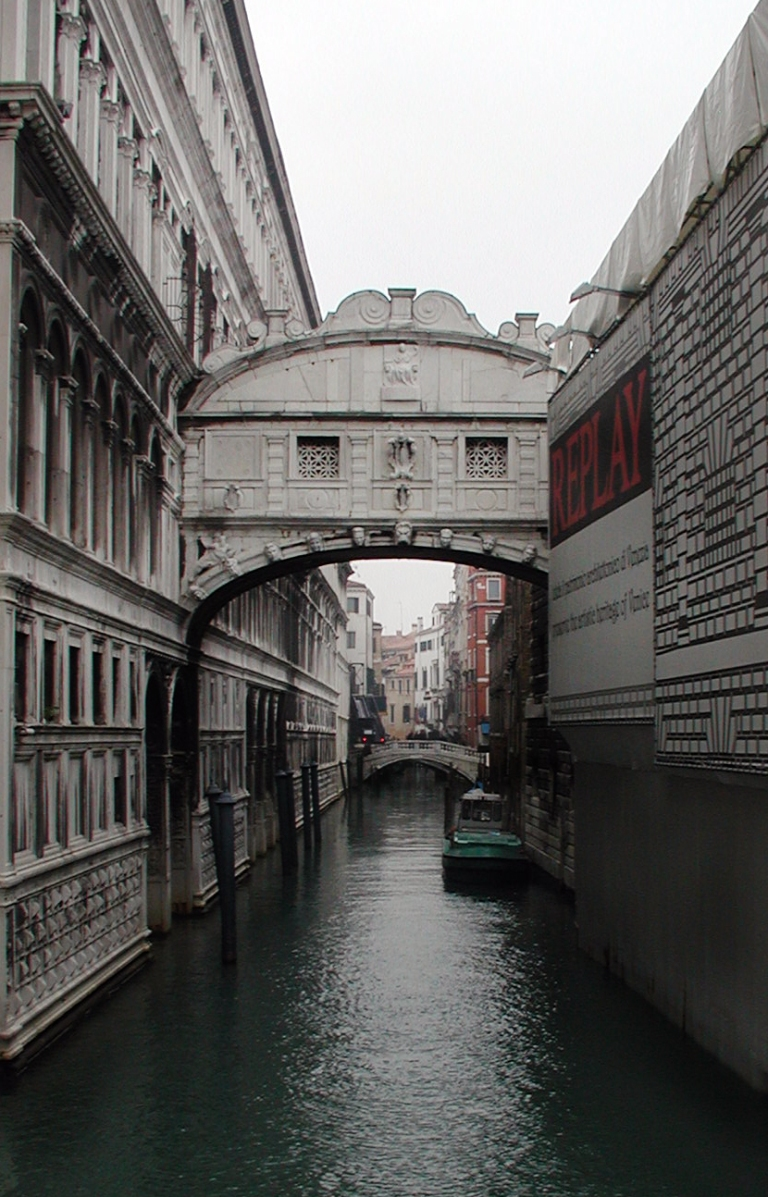 Venice-Bridge-of-Sighs.jpg