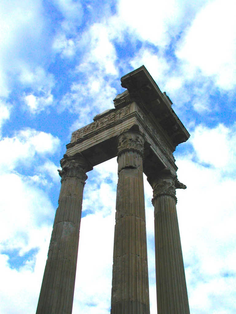 Temple-of-Vespasian-Rome-Forum.JPG