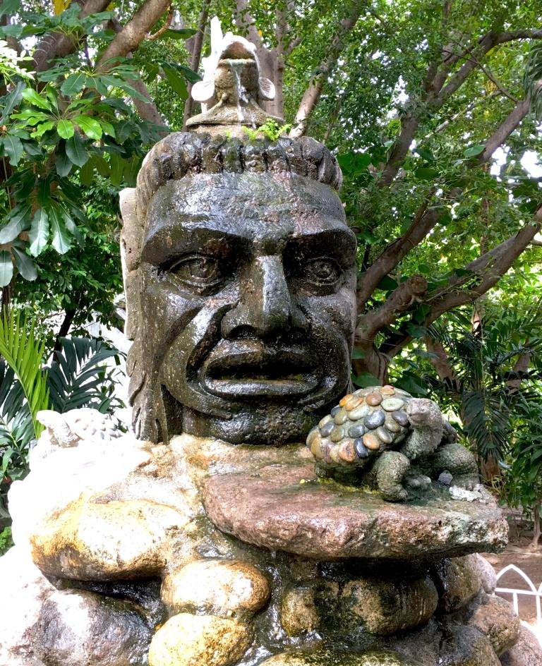 Sculpture-PuertoVallarta, mexcico.JPG
